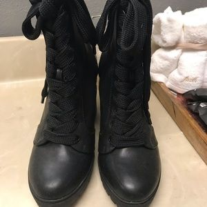Express Lug Boots